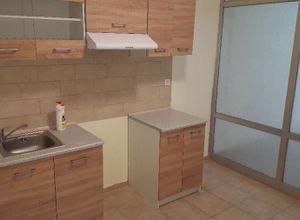 Studio Flat, Kamara