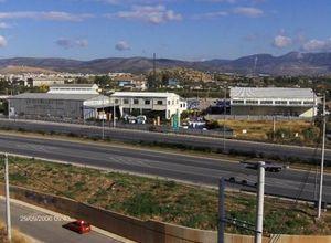 Κτίριο επαγγελματικών χώρων προς πώληση Ελευσίνα Κέντρο 7.500 τ.μ. Ισόγειο