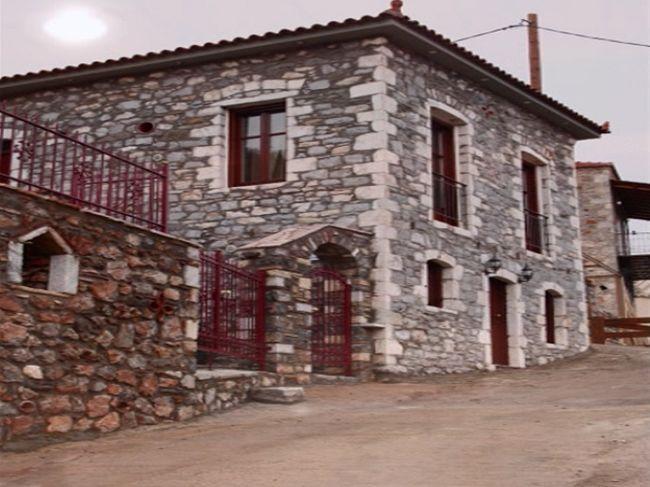 Μονοκατοικία προς πώληση Κέντρο (Καρυές) 140 τ.μ. 1ος Όροφος 2 Υπνοδωμάτια Νεόδμητο