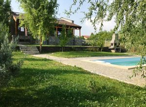 Βίλλα προς πώληση Βουκουρέστι - υπόλοιπο 280 τ.μ. 3 Υπνοδωμάτια