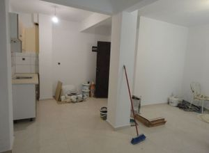 Studio Flat, Mpotsari