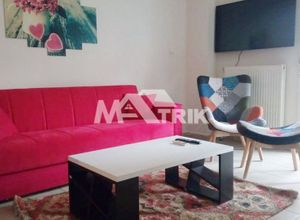 Studio Flat, Martiou