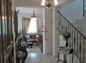 Detached House to rent Center (Nea Makri) 303 ㎡ 1 Bedroom