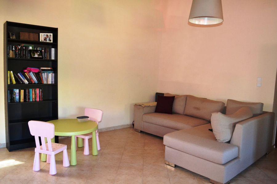 einfamilienhaus zu verkaufen temeni aigio. Black Bedroom Furniture Sets. Home Design Ideas