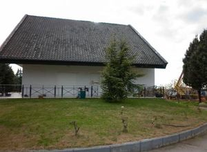 Detached House, Center