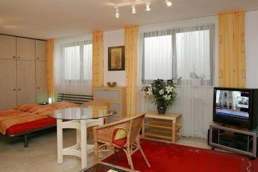 Διαμέρισμα για ενοικίαση Μόναχο 36 τ.μ. Ημιυπόγειο 1 Υπνοδωμάτιο