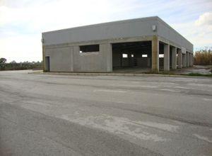 Κτίριο επαγγελματικών χώρων προς πώληση Λεχαινά 1.400 τ.μ. Ισόγειο