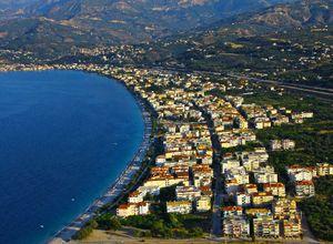 Κτίριο επαγγελματικών χώρων προς πώληση Ακράτα 508 τ.μ. Ισόγειο