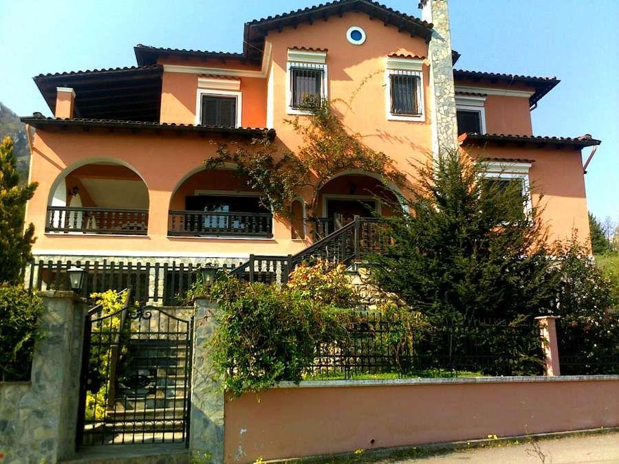 Μονοκατοικία προς πώληση Θεόδωρος Ζιάκας 186 τ.μ. Ισόγειο 4 Υπνοδωμάτια